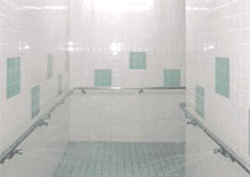 プール洗体シャワーシステムの写真